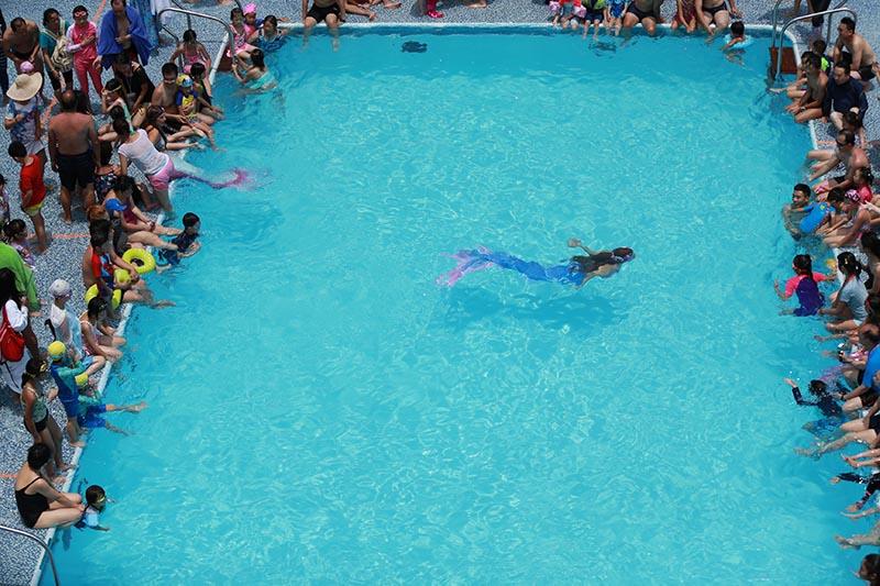 Meerjungfrauen arbeiten auf Veranstaltungen