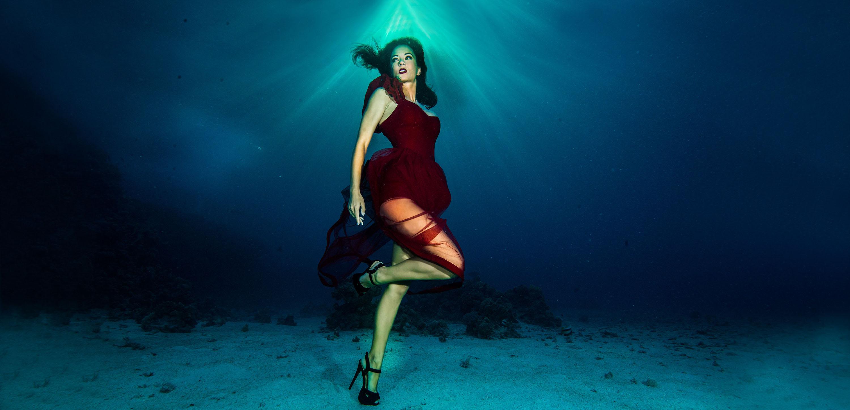 Unterwasserfashionshoot mit Model Katrin Gray