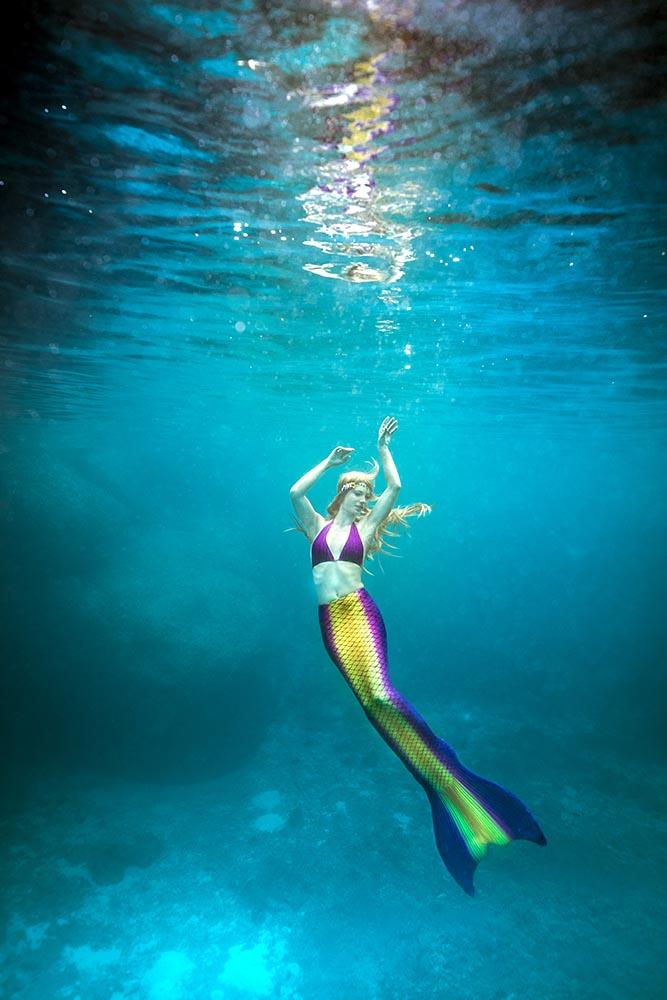 Beruf Meerjungfrau und Unterwasser-Stunt-Model