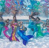 Meerjungfrauenschwimmen mit Mermaid Kat