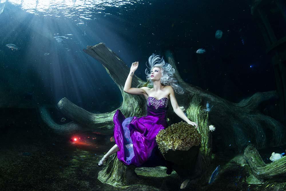Unterwassermodelshoot mit Katrin Gray im TODI in Belgien