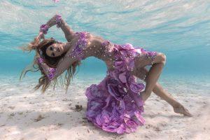 Unterwassermodel Katrin Gray in den Malediven