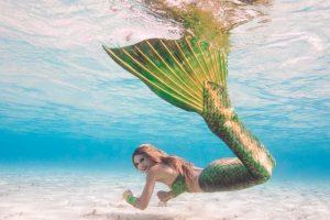 Meerjungfrauen-Fotoshooting auf den Malediven mit Mermaid Kat