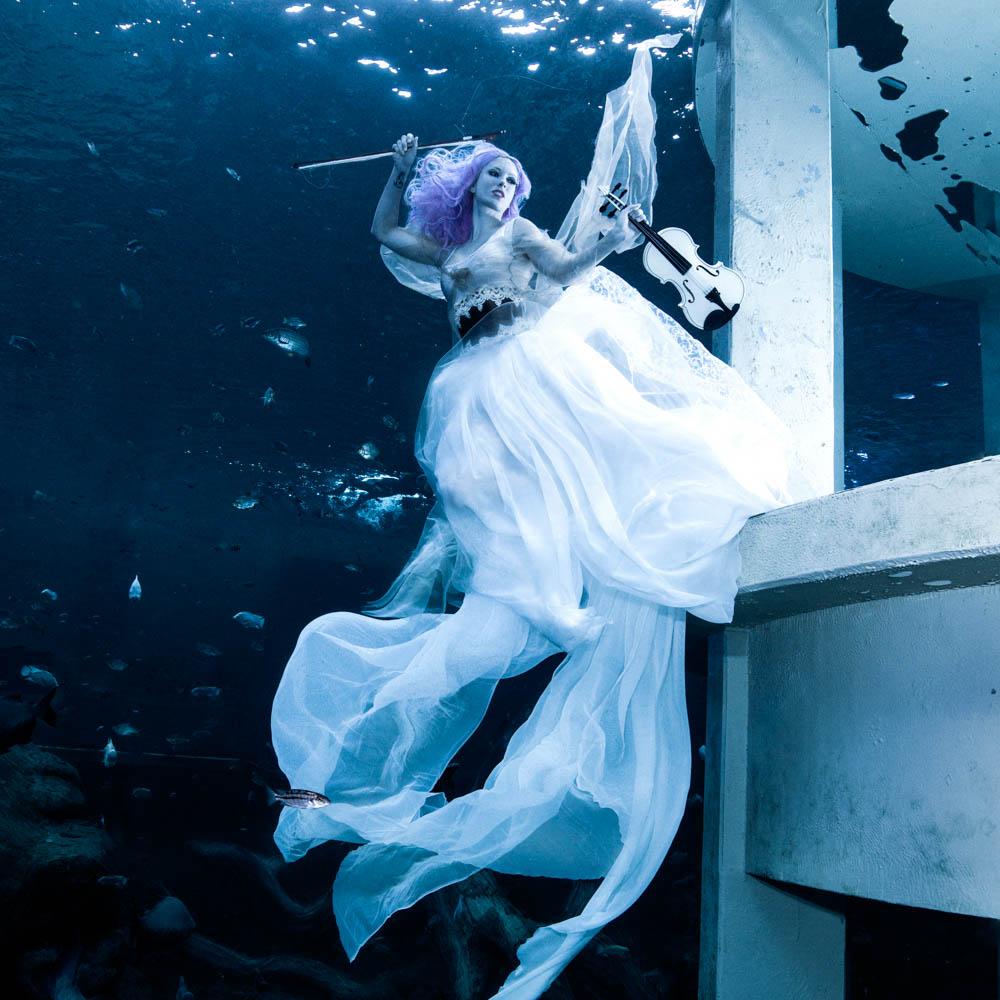 Unterwasser-Stuntfrau und Model Katrin Gray - Foto von Konstantin Killer