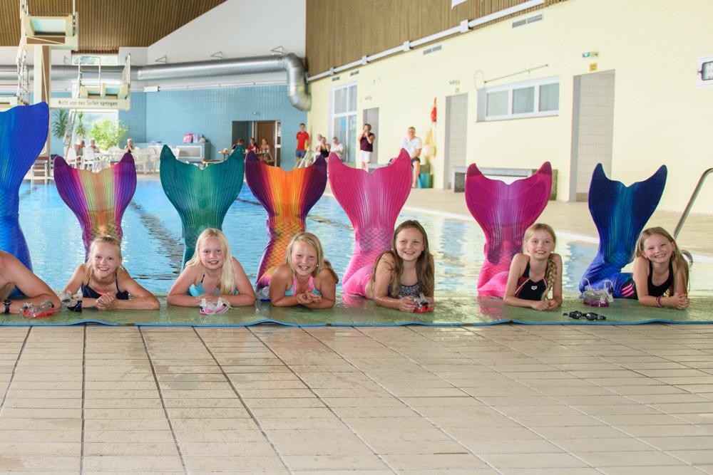 Wie eine Meerjungfrau zu schwimmen ist nun möglich in Dresden