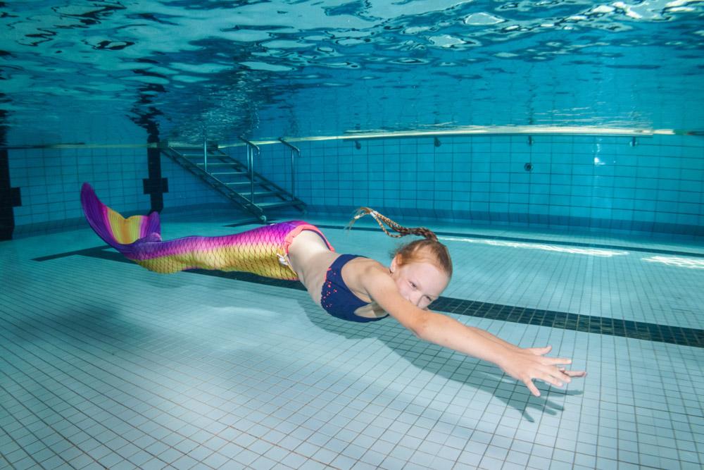 Wie eine Meerjungfrau zu schwimmen ist nun möglich